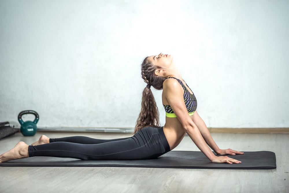 Zadbaj o kręgosłup! Proste ćwiczenia do domu dla zdrowszych pleców