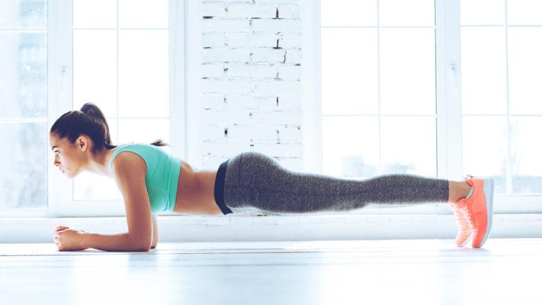 Plank, czyli deska – kluczowe ćwiczenie dla naszej sprawności
